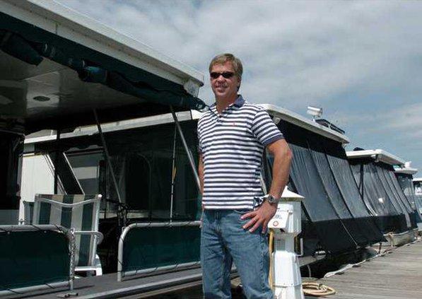 0403Houseboats