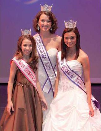 0412GoodNews-Pageant
