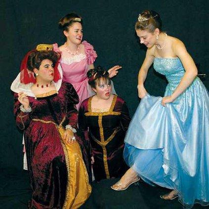 0724-GO-cinderella-stepsisters