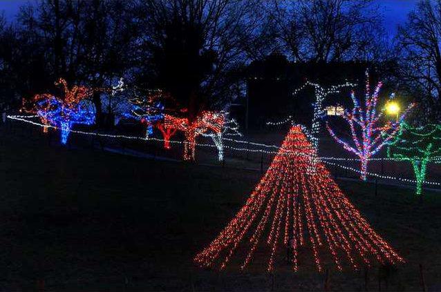 Best Gwinnett Christmas Light Displays 2021 Lets Get Lit Gainesville Times