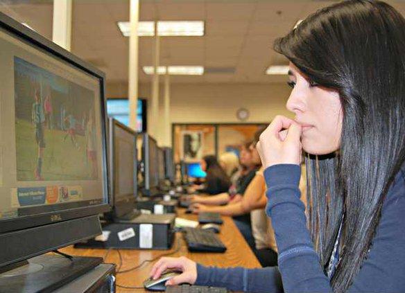 0429 LIFE Teen Tech 1