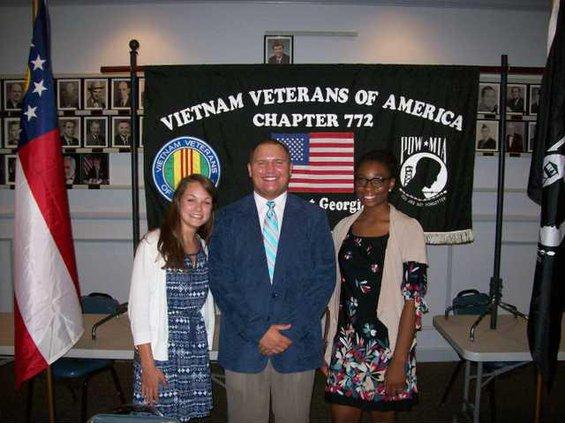 0801SCHOOL NEWS Scholarship Recipients - 2011