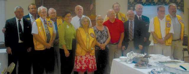 0811-GN---Lions-Club-new-officers