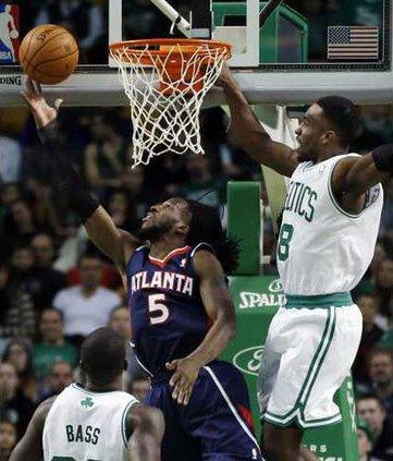 Hawks Celtics Basketb Hoop