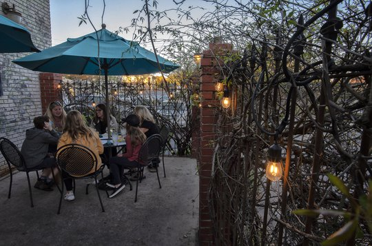 Outdoor seating ruled warmer months. Here's how some local businesses think they'll winter pandemic