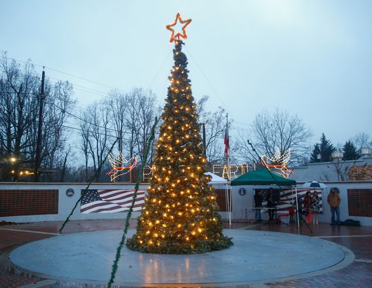 These two towns in Hall are still planning community Christmas celebrations