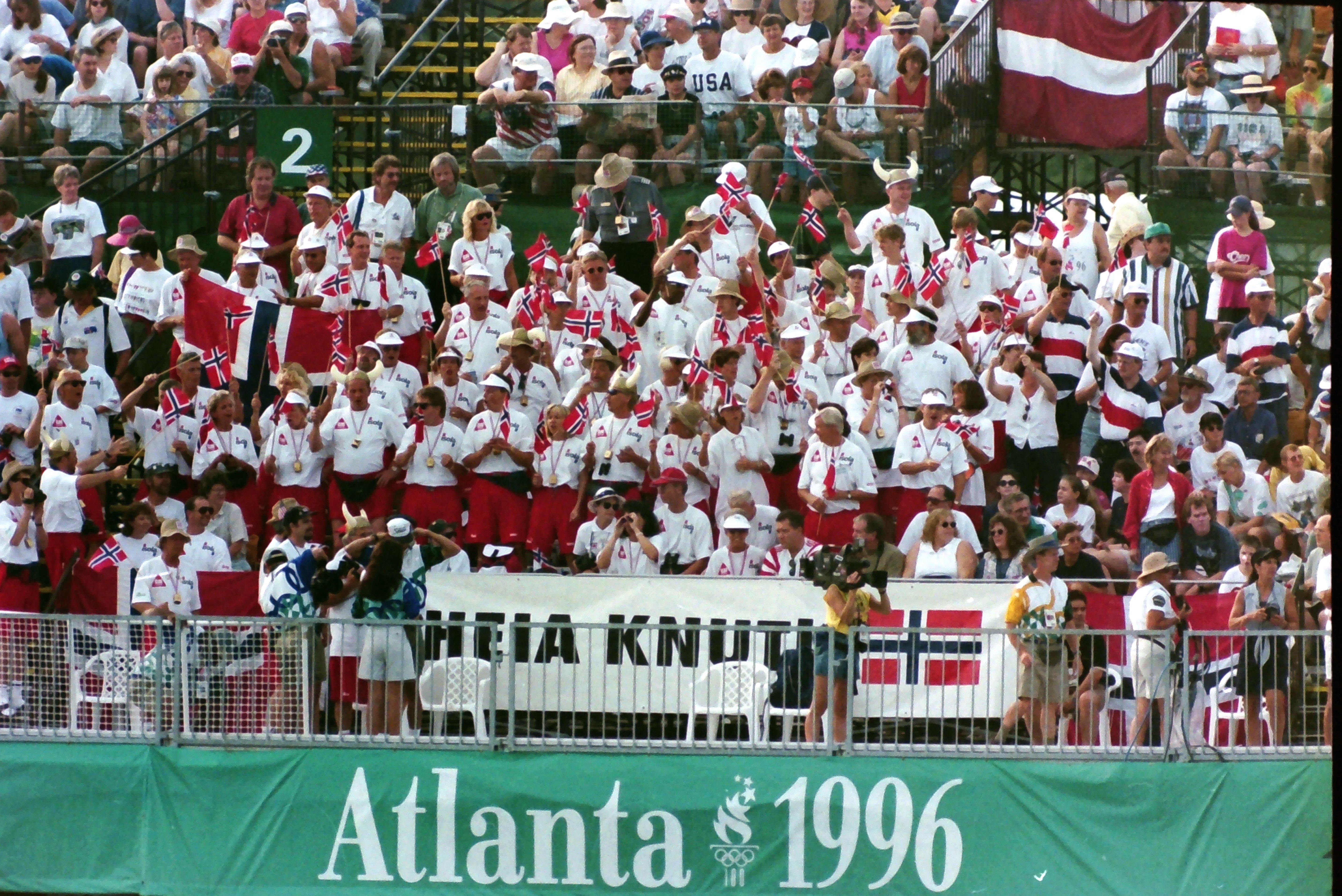 1996 crowd 5.jpg